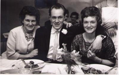 Edith, Bertel og Erna