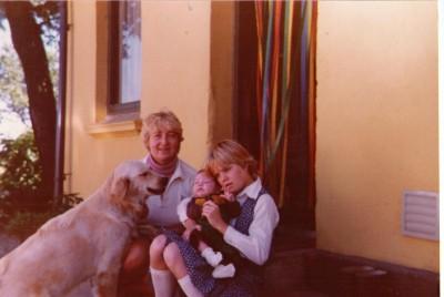 Linda med Marianne og Erna 1981
