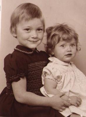 Lisberth og Helle  ca 1961